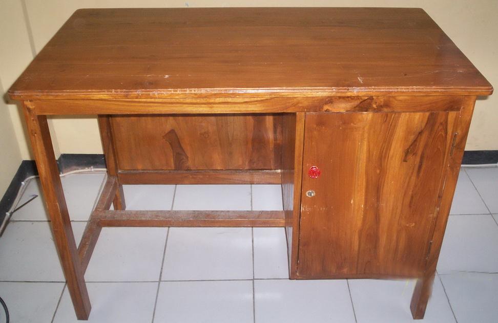 meja guru klasik